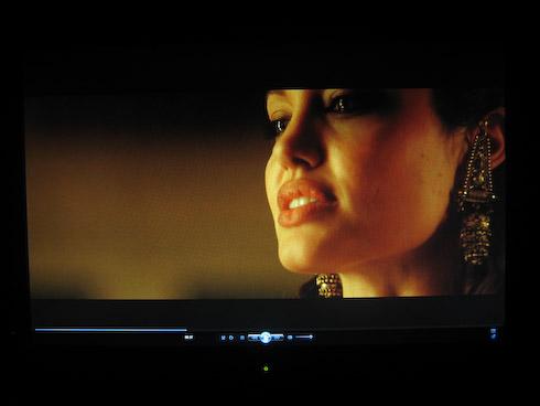 BenQ G2400W Angelina Jolie