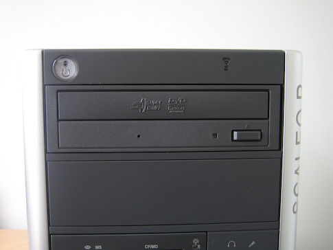 Fujitsu-Siemens Scaleo Pi2666 DVD+-RW-asema