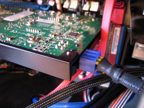 Inno 3D GeForce 8800GT 512 Mt virtapiuha kiinni